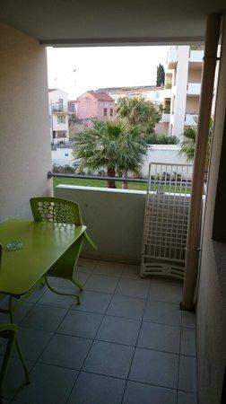 Appart'City Confort La Ciotat Côté Port : Balcony