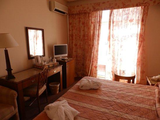 Rock Hotel Gibraltar : Bedroom