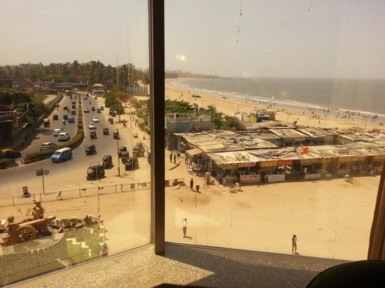 Ramada Plaza Palm Grove : Chaupati, a topping on the sea view