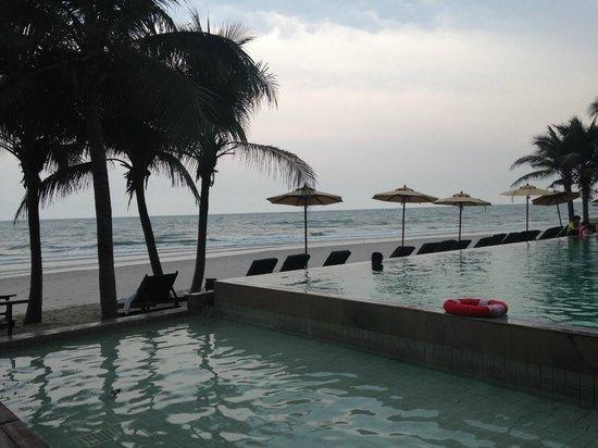 Haven Resort: プールとビーチ