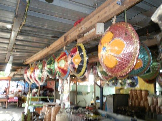 Kg Kianggeh Open Air Market: more eye-catching tudung