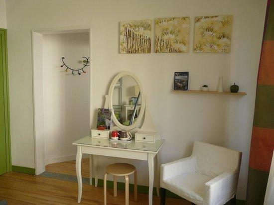 chambre vert pomme - Photo de La Maison Bleue, Douarnenez - TripAdvisor
