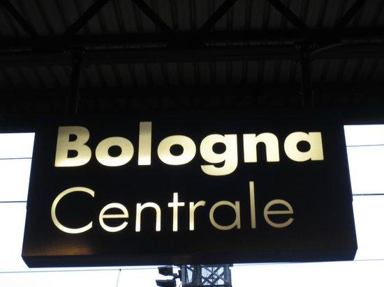 Foto di stazione di bologna centrale bologna for Bologna hotel stazione centrale