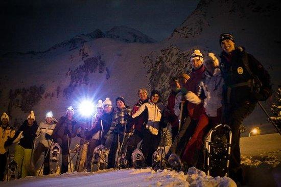 Iglu Village: Snowshoe hiking