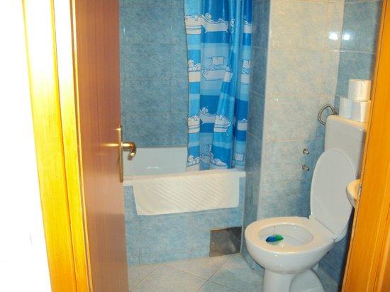 Villa D'Vine : Ванная комната