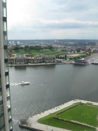 Baltimore Marriott Waterfront: Harbor view