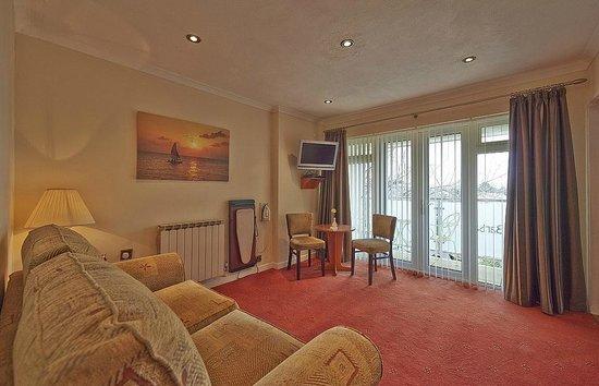 La Barbarie Hotel: Suite Lounge Room 15