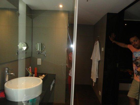 Hard Rock Hotel Goa: Bath area