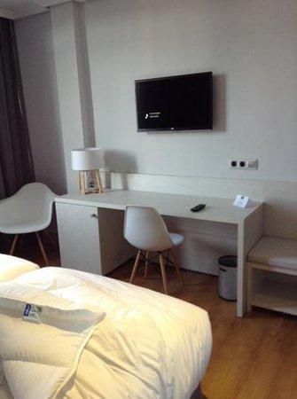 Hotel Pax: Escritorio, TV HD