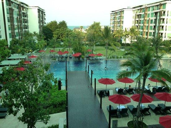 Amari Hua Hin: สระว่ายน้ำไม่ได้เล่น