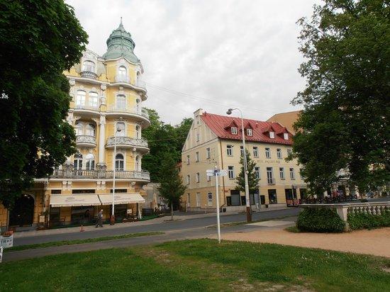 Orea Spa Hotel Bohemia: Die Hotelgebäude
