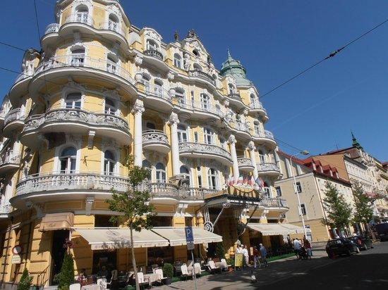 Mariańskie Łaźnie, Republika Czeska: Hotel Bohemia mit Terrasse
