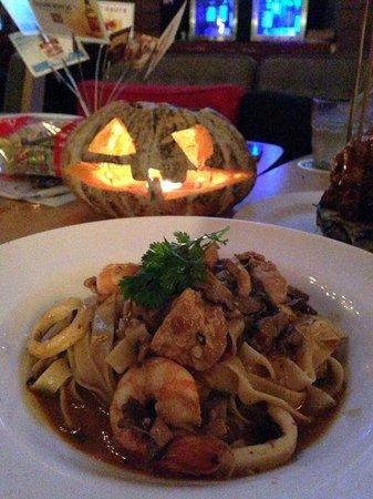 Tujo Bar-sserie & Grill - 23 Photos & 10 Reviews ...
