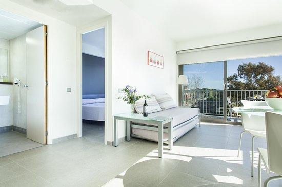 Apartamentos Marfina: APARTAMENTO DE 1 HABITACION Y SALON CON VISTAS PARCIALES AL MAR.CAPACIDAD MAX. 4 PERSONAS.
