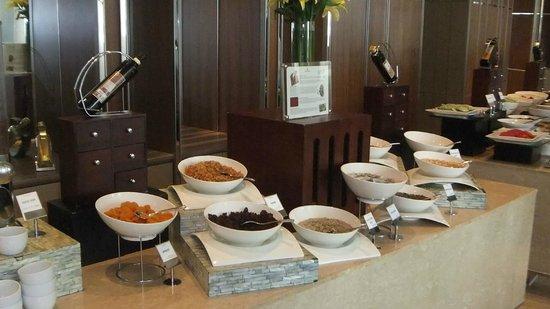 Hotel Nikko Saigon: Buffet