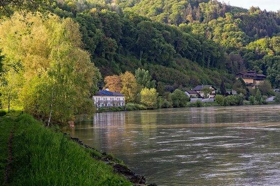 Fischwirtshaus Landmotel  Die Donaurast: Motel
