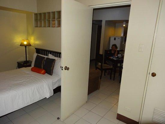 Artina Suites Hotel: chambre