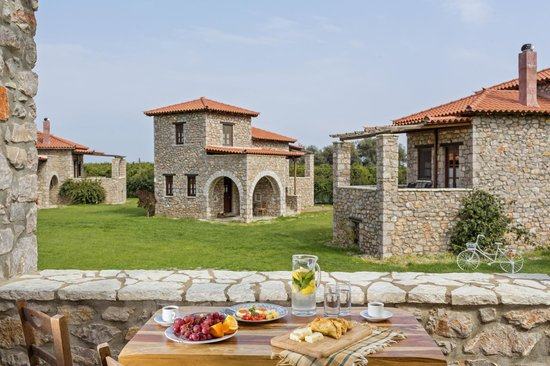 Agroktima : I enjoyed the stone built houses