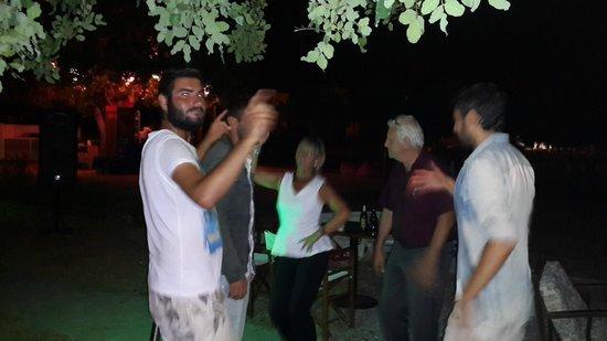 Gezgin Cafe: dans dans dans