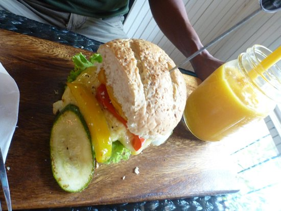 The Restore One Cafe: Tasty Vegi Burger