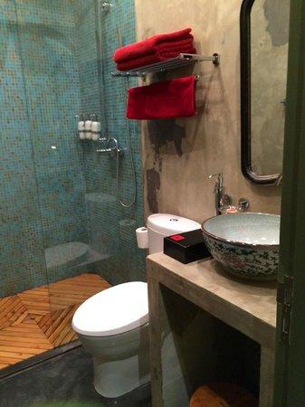 Hotel Cote Cour Beijing : Super Clean Bathrooms