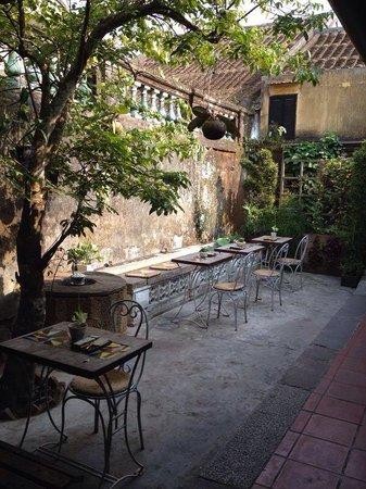 Reaching Out Tea House: Garden