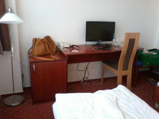 Canada Hotel: telewizor, minibar