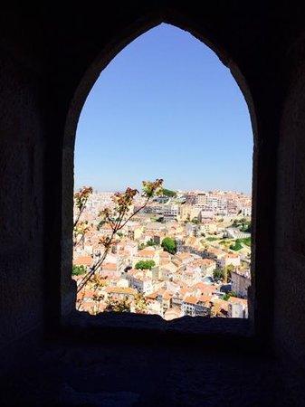 Castelo de Sao Jorge : Do castelo tem-se uma linda vista de Lisboa.
