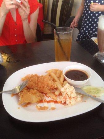 Coffee Time Corner: Chicken chop combo, RM5!