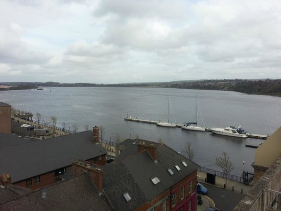 BT48 Apartotel: View of the Foyle