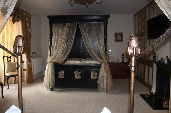 St Hilda's Boutique: Room