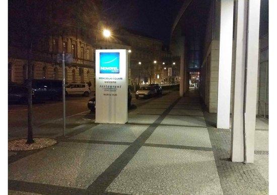 Novotel Praha Wenceslas Square: Entrance