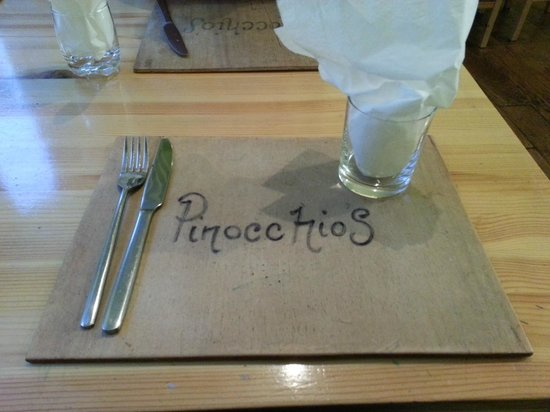 Pinnochio's : Table Setting