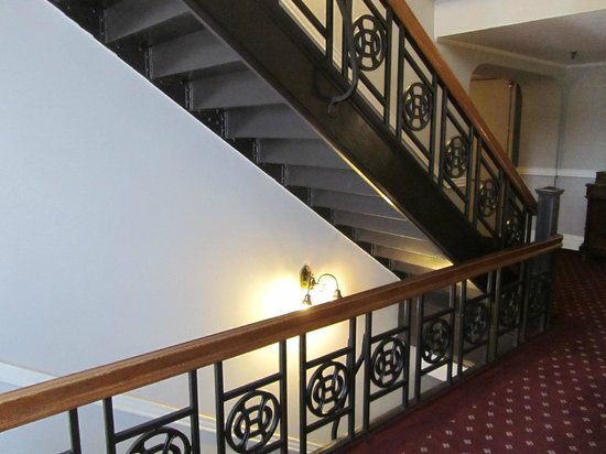 The Oxford Hotel: Stairway