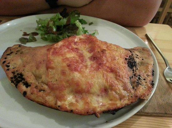 Pinnochio's : Calzone