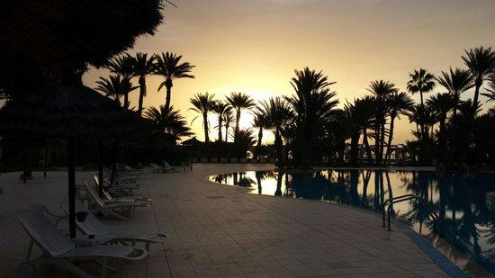 Zita Beach Resort: Opgaande zon