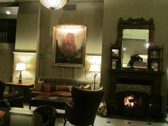The Oxford Hotel : Hotel Lobby