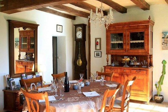 Le Rideau Miné : salle a manger