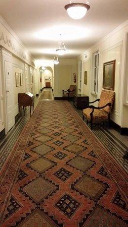 Quirinale Hotel: Corridor