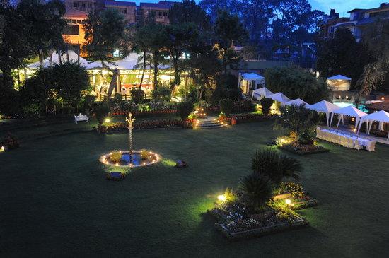 Shangri-La Hotel Kathmandu: SHAMBALA GARDEN