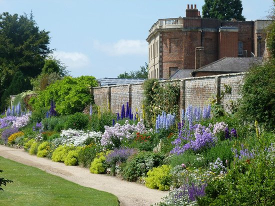 Wheatley, UK: July Gardens