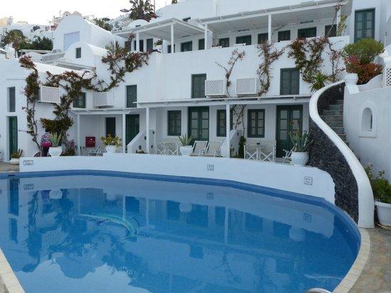 Dana Villas Hotel & Suites: Chambres et terrasses