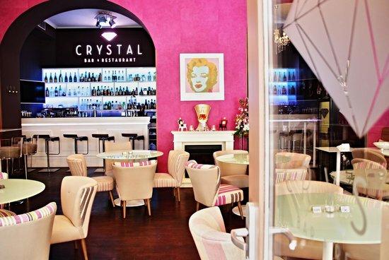 Crystal Bar and Restaurant: Interior