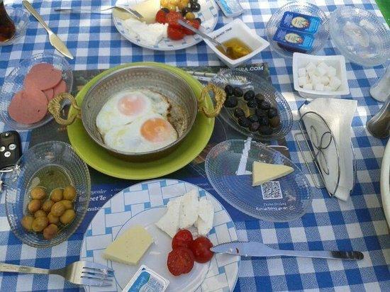 Nerium Hotel: Zengin Kahvaltı