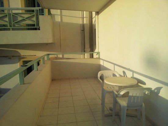 Klio Apart Hotel: Terraza