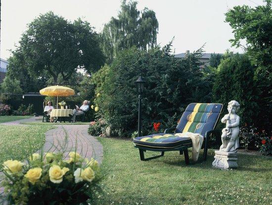 Haus Soldwisch Hotel Garni: Relaxen im Garten
