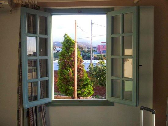 Klio Apart Hotel: Vistas por la ventana