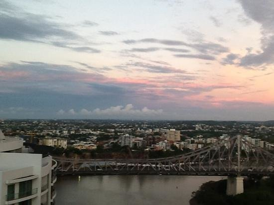 Brisbane Marriott Hotel: View of the Story Bridge from our room