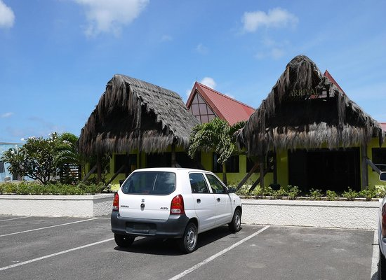 Tamarind Beach Hotel & Yacht Club : Airport Arrivals