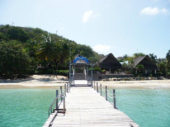 Tamarind Beach Hotel & Yacht Club: The jetty